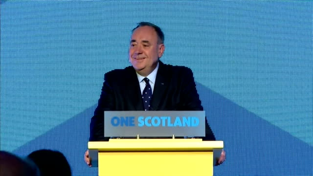 """vídeos de stock e filmes b-roll de interior shots of speech by first minister alex salmond """" i call on all of scotland to follow suit and accepting the democratic verdict of the people... - 2014"""