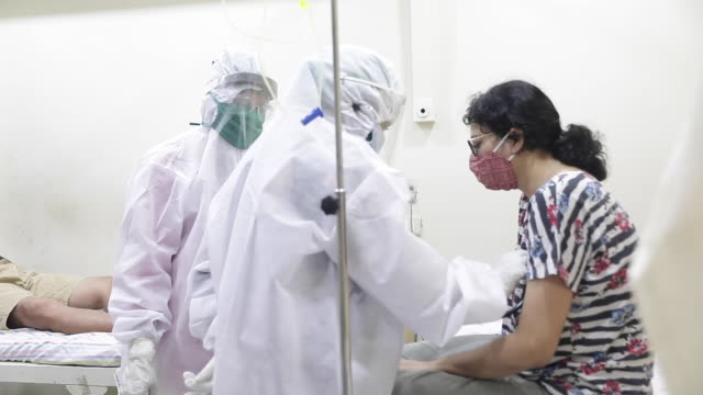 interior shots of suspected covid19 patients being treated on a hospital ward by staff in full ppe on 29 july 2020 in mumbai india - ward stock videos & royalty-free footage