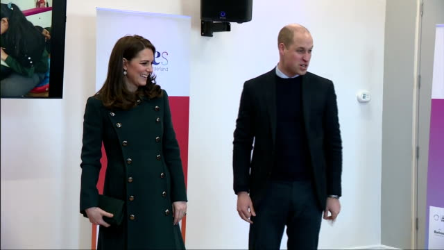 interior shots of the duke and duchess of cambridge speaking to schoolchildren and representatives from local organisations during a visit to the... - 公爵点の映像素材/bロール