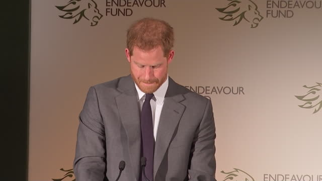 vídeos de stock e filmes b-roll de interior shots of the duke of sussex making a speech at the endeavour fund awards 2019 at goldsmith's hall on 7th february 2019 in london england - duke of sussex