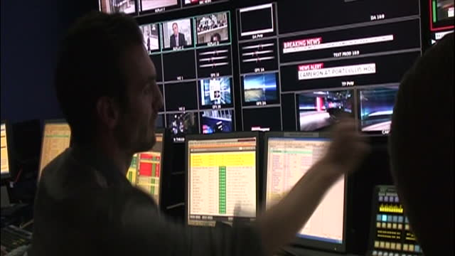 interior shots of the gallery of sky news during the 2010 general election aftermath on the day gordon brown quit as prime minister with executive... - producer stock videos & royalty-free footage