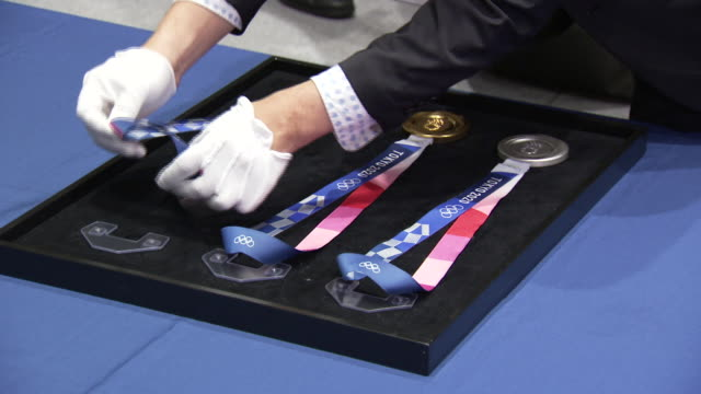 interior shots of the gold, silver and brone medals for the tokyo 2020 summer olympics shot during the summer of 2019 - zweiter platz stock-videos und b-roll-filmmaterial