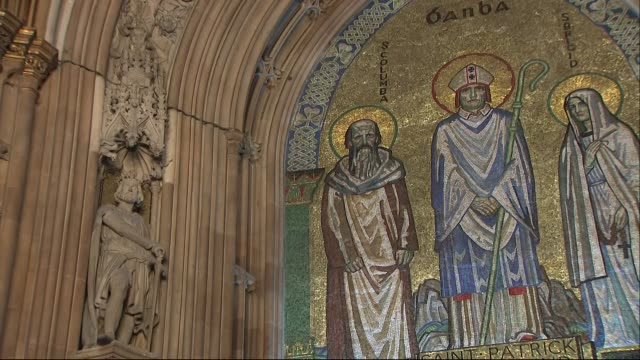 stockvideo's en b-roll-footage met interior shots of the house of commons central lobby complete with mosiacs and statues of past kings and queens on 11 march 2019 in london united... - house of commons