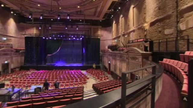 vídeos de stock, filmes e b-roll de interior shots of the newly re-opened alexandra palace theatre - arte, cultura e espetáculo