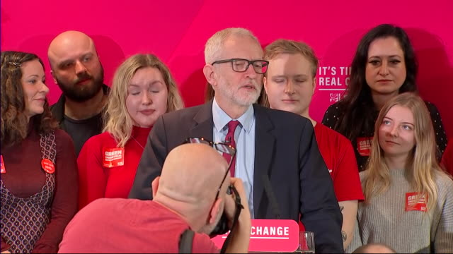 stockvideo's en b-roll-footage met interior shots of the opening of jeremy corbyn's speech at the launch of his green manifesto where he praises extinction rebellion activists and... - manifest