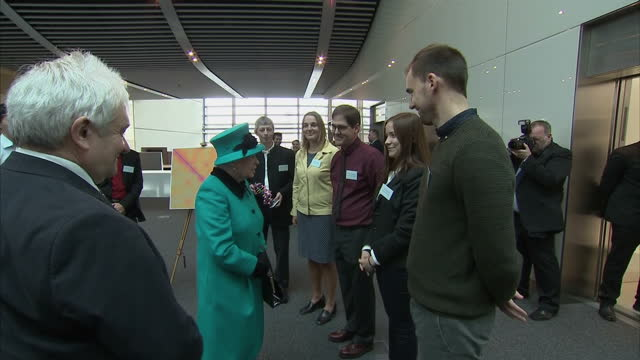 interior shots of the queen and duke of edinburgh meeting officials and scientists on a tour of the francis crick institute on november 09 2016 in... - francis crick stock videos & royalty-free footage
