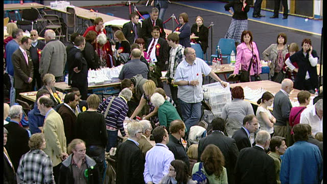 interior shots of the sheffield vote count underway in nick clegg's constituency during the 2010 general elections on may 07, 2010 in sheffield,... - british liberal democratic party stock videos & royalty-free footage