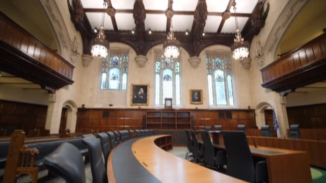 interior shots of the supreme court on 16 september 2019 in london, united kingdom. - corte suprema palazzo di giustizia video stock e b–roll