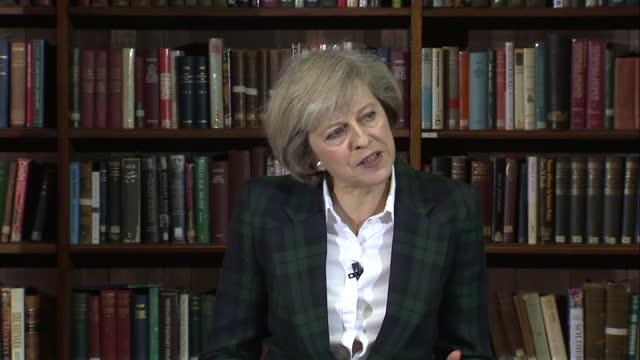 stockvideo's en b-roll-footage met interior shots of theresa may home secretary announcing her bid to be the next leader of the conservative party and prime minister>> on june 30 2016... - bod