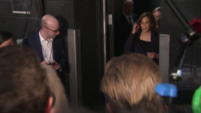 interior shots of united states senator and 2020 democratic presidential candidate kamala harris walking past press after the second democratic... - debatte stock-videos und b-roll-filmmaterial