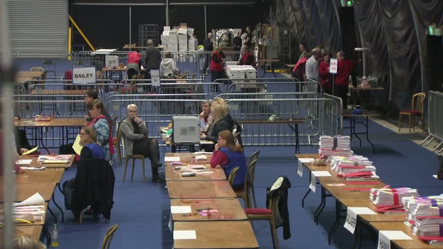 interior shots of votes being counted in a hall in belfast during the northern ireland elections on 3 march 2017 in belfast northern ireland - シンフェイン点の映像素材/bロール