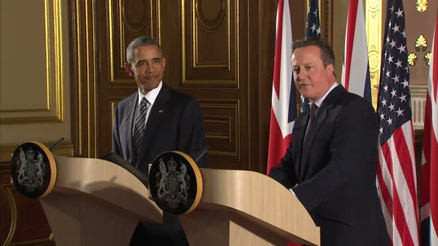 Interior shots President Barack Obama and David Cameron British Prime Minister press conference cutaway shots on April 22 2016 in London England