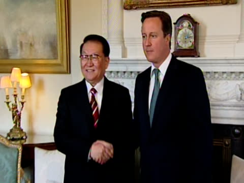 interior shots prime minister david cameron walks into number 10 downing street room with chinese politburo member propaganda chief li changchun both... - 10 downing street stock videos and b-roll footage
