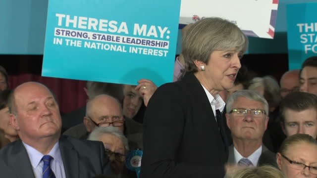 interior shots prime minister theresa may speaks at stockport presser re general election 2017 campaigning 'strong and stable government', answers... - prime minister's questions stock videos & royalty-free footage