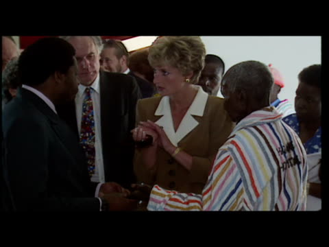 vídeos de stock e filmes b-roll de interior shots princess diana visits leprosy patients in harare hospital princess diana visits leprosy patients on july 11 1993 in harare zimbabwe - 1993