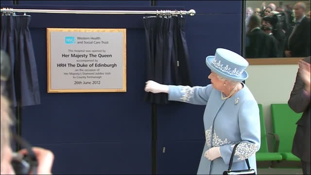 interior shots queen unveils a plaque officially opening the south west acute hospital in enniskillen queen elizabeth ii diamond jubilee coverage on... - plaques stock videos & royalty-free footage