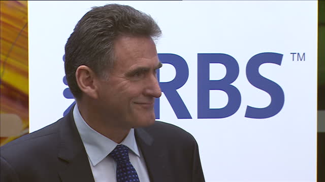 interior shots ross mcewan new royal bank of scotland chief executive walking onto stage delivering speech and rbs staff applauding he replaces... - ロイヤル・バンク・オブ・スコットランド点の映像素材/bロール