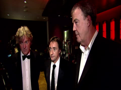 interior shots top gear presenters jeremy clarkson james may richard hammond speak to press at national tv awards top geat tv show presenters on... - jeremy clarkson stock videos & royalty-free footage