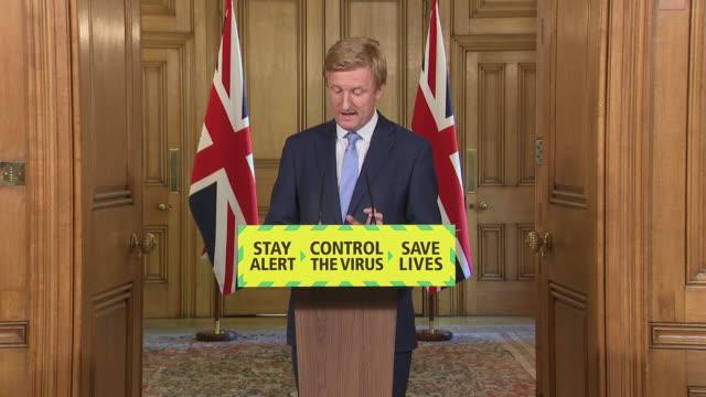 GBR: UK: Daily government coronavirus press briefing