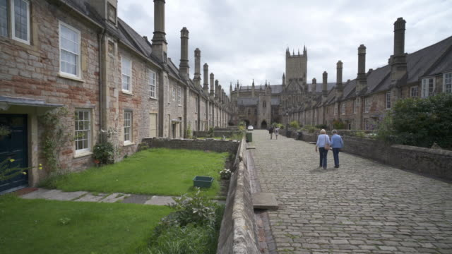 interior view of wells cathedral, wells, somerset, uk - 古代の遺物点の映像素材/bロール