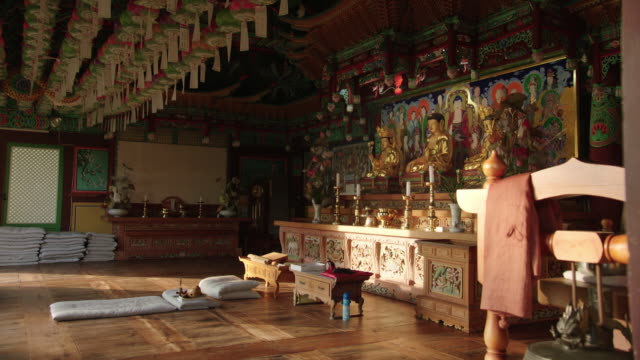 interior view of wolmyeongam buddhist temple in byeonsan mountain (popular attraction) - male likeness stock videos & royalty-free footage