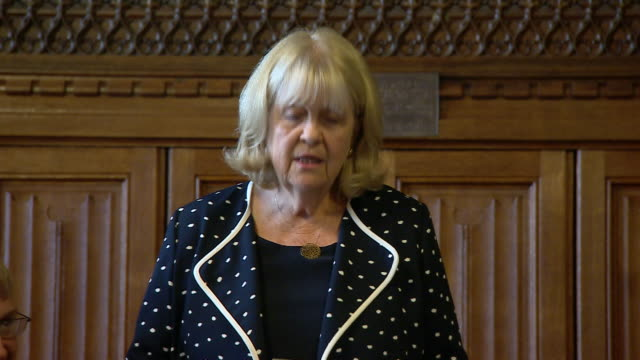 vídeos y material grabado en eventos de stock de interior views of acting cochair of the 1922 committee cheryl gillian mp declaring the results of the first round of the conservative leadership... - partido conservador británico