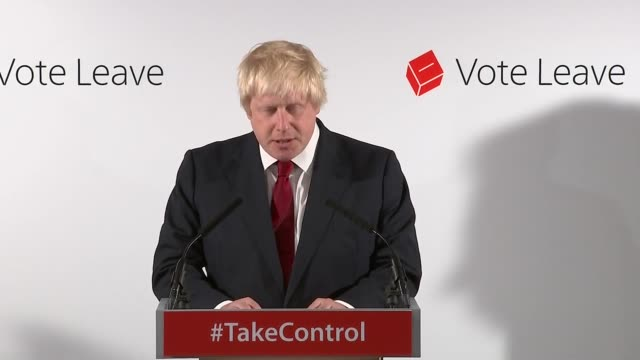 interior views of boris johnson speaking at a press conference about the result of the eu referendum on 24 june 2016 in london united kingdom - referendum stock-videos und b-roll-filmmaterial