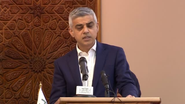 interior views of london mayor sadiq khan making a speech at the interfaith meeting to remember the victims of the christchurch shootings on march 18... - ジャスティン・ウェルビー点の映像素材/bロール