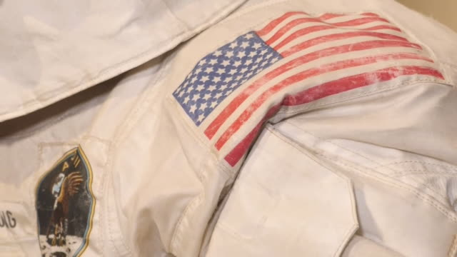 interior views of neil armstrong's moon spacesuit at the nasa museum on 16 july 2019 in washington, united states. - 宇宙服点の映像素材/bロール