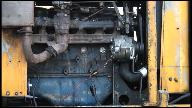 Motore a combustione interna: Giallo