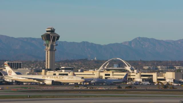 international air carriers - runway stock videos & royalty-free footage