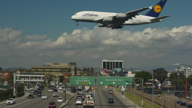 international carriers - airbus stock-videos und b-roll-filmmaterial