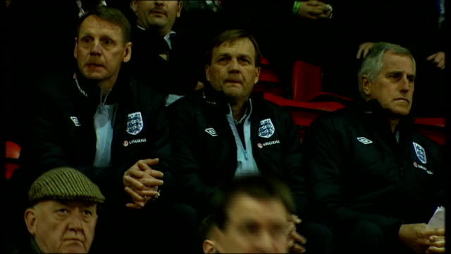 international friendlies 2822012 london brisbane road stuart pearce watching under 19s match england under 19s team on pitch for friendly match... - international match stock videos & royalty-free footage