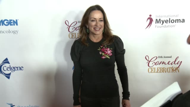 stockvideo's en b-roll-footage met chyron international myeloma foundation's 11th annual comedy celebration benefiting the peter boyle research fund at the wilshire ebell theatre on... - wilshire ebell theatre