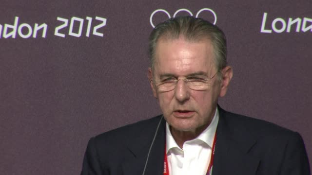 vídeos y material grabado en eventos de stock de international olympic committee president jacques rogge hailed usain bolt as the greatest sprinter of all time on sunday as he moved to quell a row... - jamaiquino