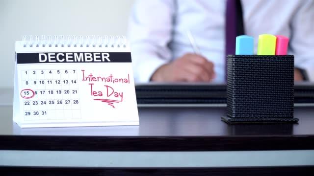 international tea day - special days - abbigliamento da lavoro formale video stock e b–roll