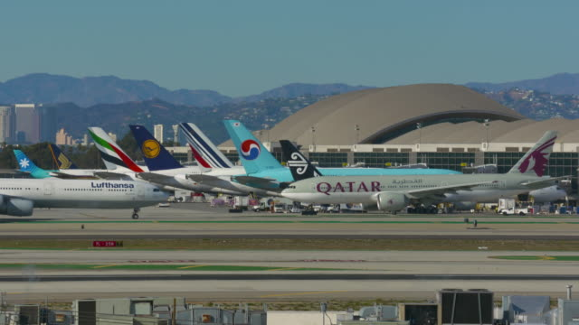 international terminal lax - middle east stock videos & royalty-free footage