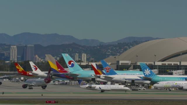 international terminal lax - aerospace industry stock videos & royalty-free footage