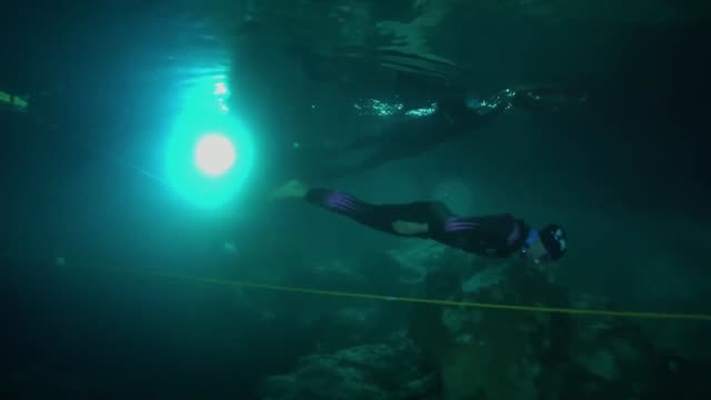 internationally renowned turkish diver sahika ercumen breaks women's freediving world record of 90 meters at the gilindire cave and holds a press... - underwater diving stock videos & royalty-free footage