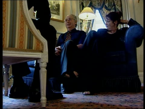 internet twins; itn england: chester alan and judith kilshaw sitting as interviewed kilshaws as interviewed - 英国チェスター点の映像素材/bロール