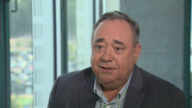 interview alex salmond about david cameron's comment about the asking the queen to intervene in the scottish referendum it's an astonishing thing to... - alex salmond stock videos & royalty-free footage