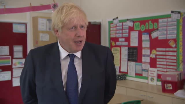 interview boris johnson pm about grading of students after exams were cancelled due to coronavirus we'll do our best to make sure the hard work of... - 報告書点の映像素材/bロール