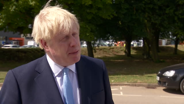 "interview boris johnson pm, about police officer attacked with machete in east london ""what this underscores for me is the bravery of our police, and... - conservative party uk stock videos & royalty-free footage"