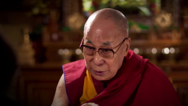 vídeos y material grabado en eventos de stock de interview dalai lama about problems in the world today many problems are of our own creation we think small my country my religious faith - lama