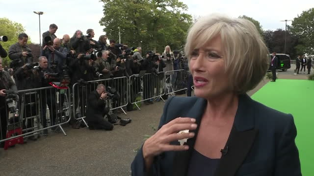 interview emma thompson, actor, on green carpet at earthshot prize ceremony at alexandra palace, about sustainability and today's throwaway culture - actor stock videos & royalty-free footage