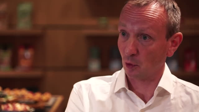 interview giles hurley ceo aldi uk about the supermarket looking into offering online delivery and click and collect as consumer shopping habits... - e commerce stock videos & royalty-free footage