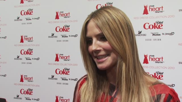 vídeos y material grabado en eventos de stock de heidi klum talks about being the heart health ambassador for diet coke and why she feels so strongly about the heart truth cause at the the heart... - diet coke