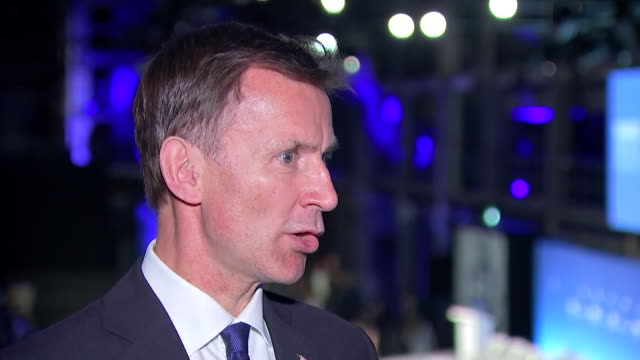 "vidéos et rushes de interview jeremy hunt, foreign secretary, about royal navy warning off iranian gunboats intercepting a british oil tanker in the gulf ""concerning... - british military"