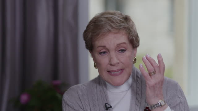 vídeos y material grabado en eventos de stock de interview julie andrews gives her opinion on the film mary poppins returns i thought it was great - actor