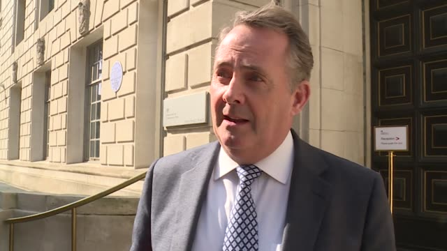 vídeos y material grabado en eventos de stock de interview liam fox mp on why he is against the option of a customs union to achieve brexit i think a customs union is a betrayal of brexit - liam fox político